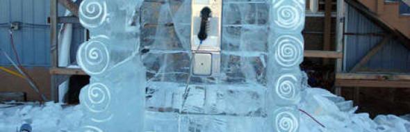 I veri amori sono in via di estinzione come le cabine telefoniche.